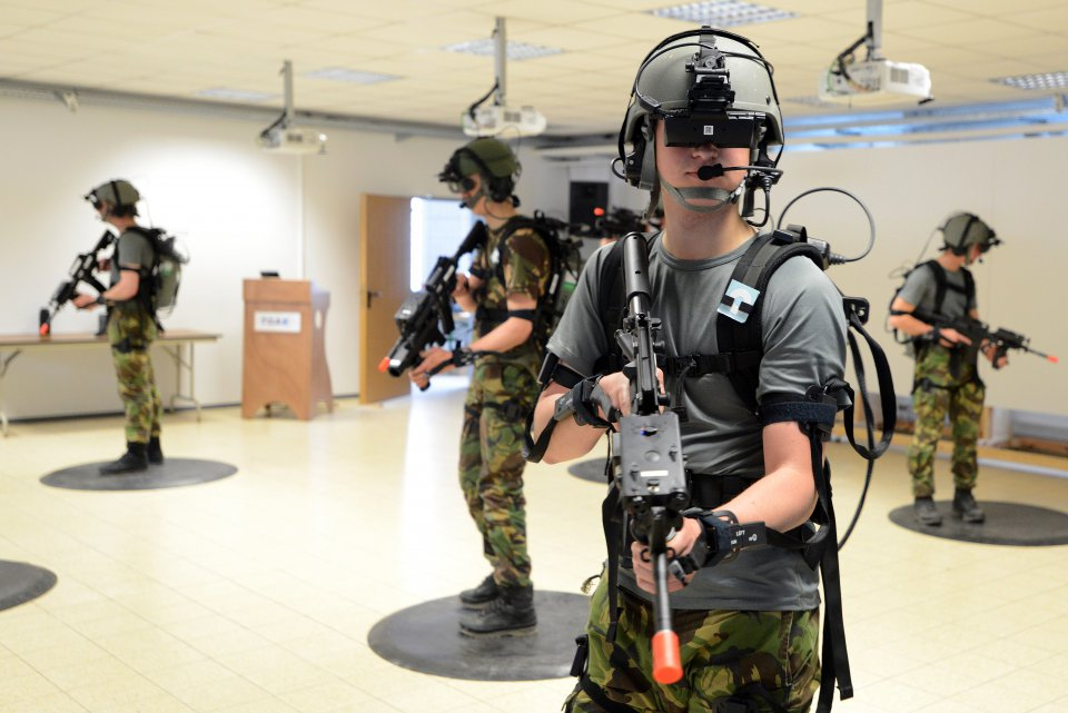 Soldiers train using VR technology